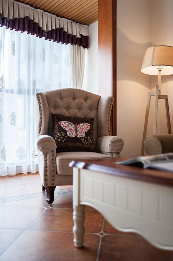 80平两居室装修单人沙发图片