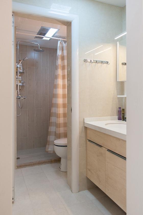 80平简约风格装修卫生间图片