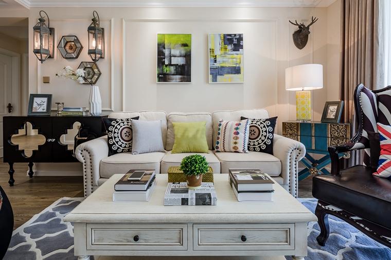 英伦风三居室装修布艺沙发装修图