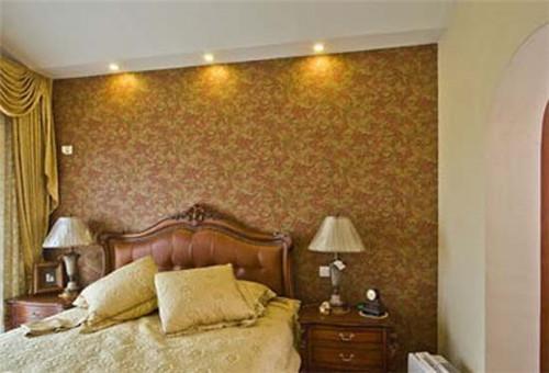 石尚玉石的细腻台面 仿古木雕花橱柜 同色系复古砖,都显出欧式复古的