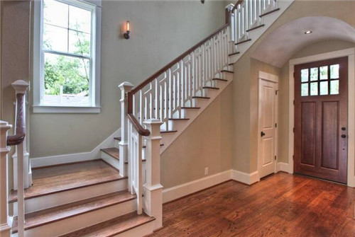 跃层楼梯装修效果图 跃层楼梯如何装修设计才完美图片