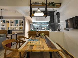 现代简约风格装修餐桌图片