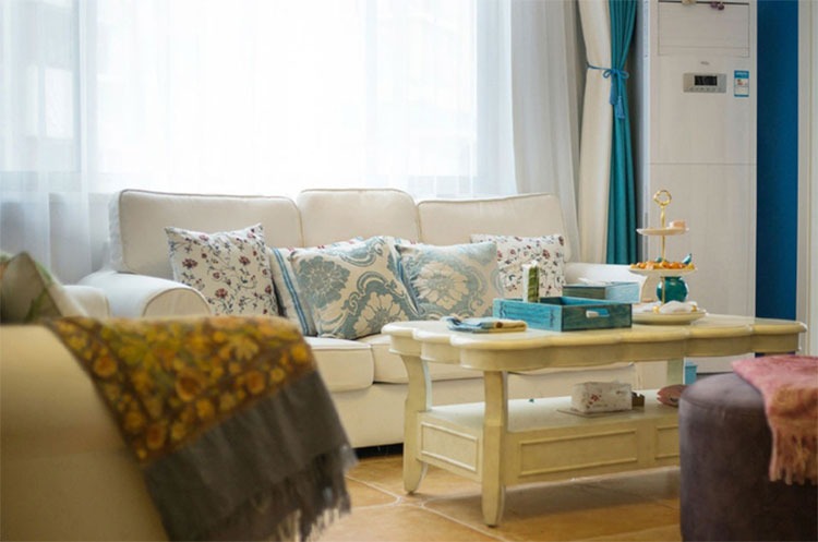 地中海风格三居室装修布艺沙发图片