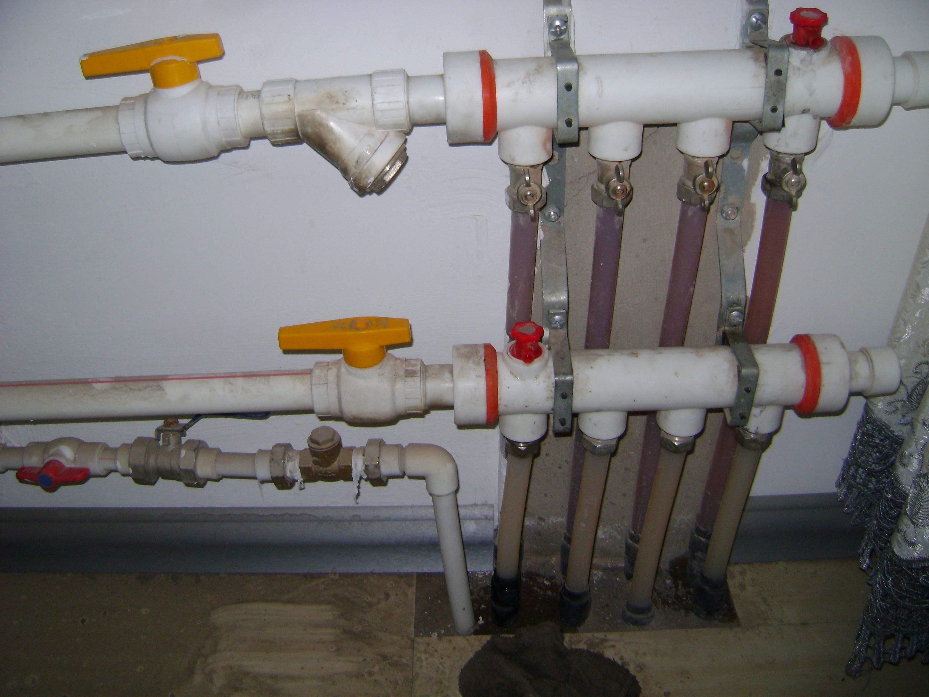 地暖放气详细步骤 如何给地暖放水
