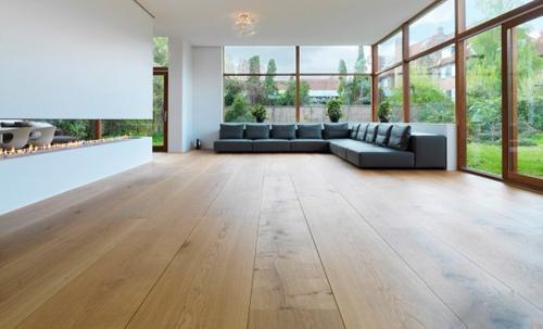 俗话说:三分产品,七分安装,说明木地板的安装方式非常重要.