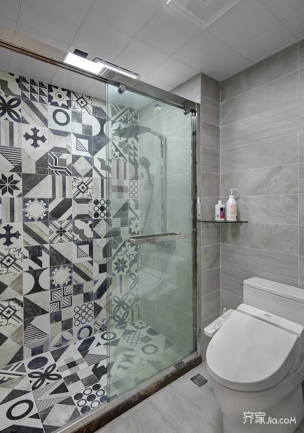 145平美式风格装修卫生间装潢图