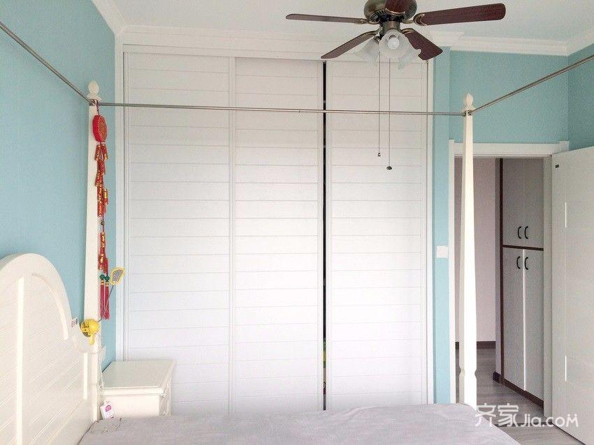 75平简约风格装修卧室设计图