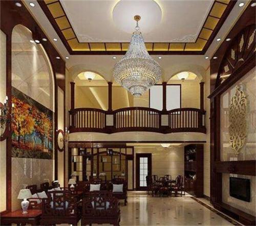 这款客厅采用了挑高的设计,宽大的石材背景墙搭配上木质的中式家具图片