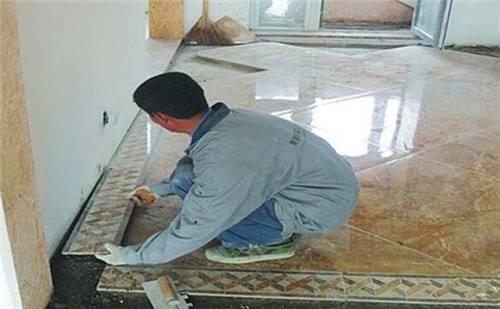 铺地板砖的工具 如何铺设地板砖
