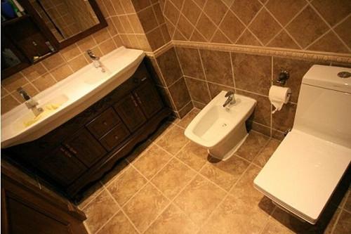 小卫生间瓷砖颜色搭配技巧小卫生间瓷砖尺寸多大好