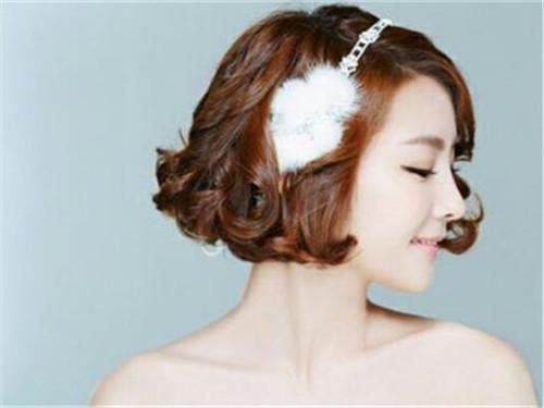 短发拍婚纱照什么风格好看 短发拍婚纱照用哪种发型好