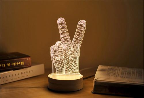 创意台灯图片赏析—立体手势台灯图片