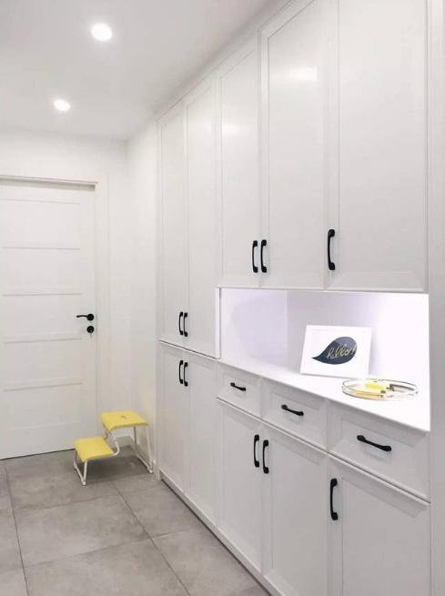 玄关鞋柜的到顶设计,美观实用!