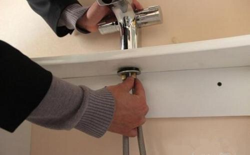 两分钟看懂安装水龙头的方法 自己动手就能搞定