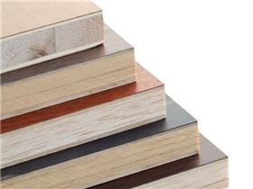 橱柜用实木好还是颗粒板好  常见橱柜材料的区别