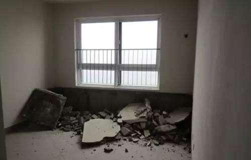 一般来说,内飘窗可以拆掉,因为不会影响建筑结构和外墙.