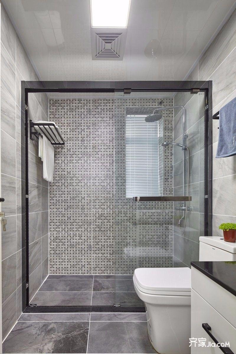 墙面地面采用哑光灰色瓷砖搭配,白色哑光面地砖,层次感强,干净整洁用