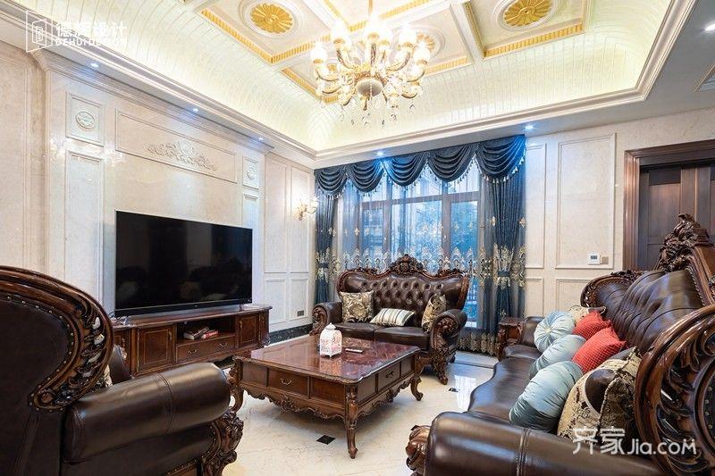 顶部用金色艺术漆提亮了整体空间,更具奢华感.图片