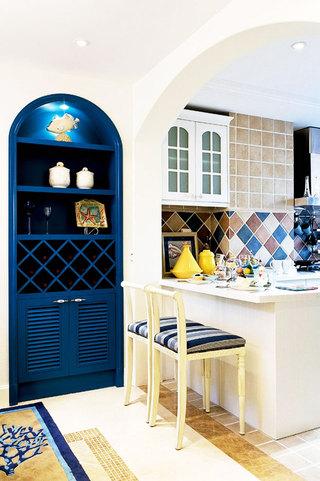 白色廚房吧臺設計圖