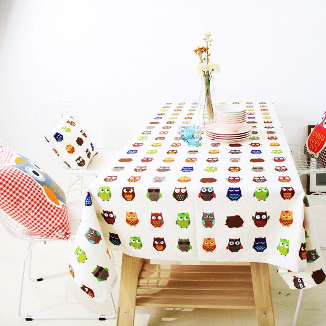 卡通餐桌布效果图