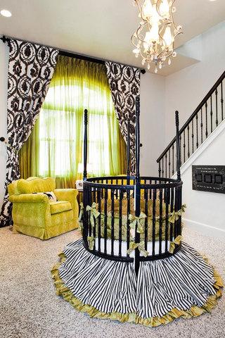 黑色嬰兒床圖片