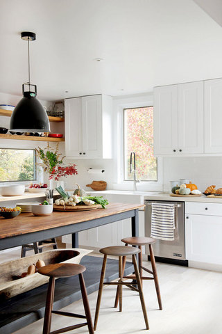 白色厨房吊顶设计图