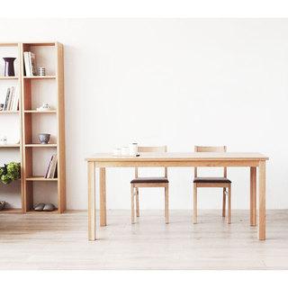 原木色餐桌效果图