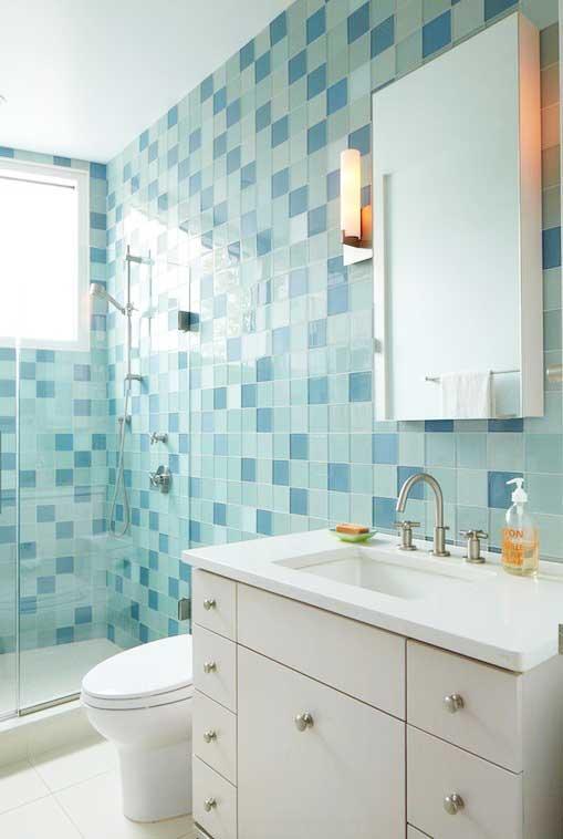 白色小型浴室柜设计图
