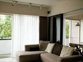 素色原木简约风 复式公寓让生活更舒适
