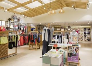 内衣服装店设计装饰室内效果图片