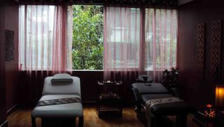 美容院室内窗帘装修效果图片
