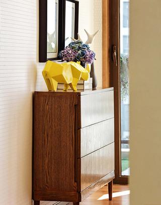 两居室现代风格玄关装修图