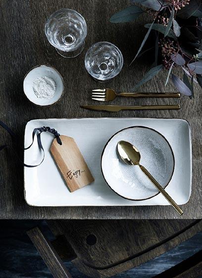 木色花式餐具装修效果图