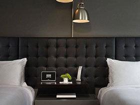 挑你喜欢的  12个创意床头柜布置图