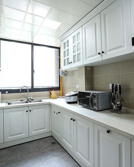简美式厨房 白色橱柜欣赏