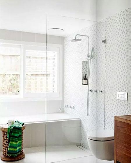 卫生间干湿分离装修效果图