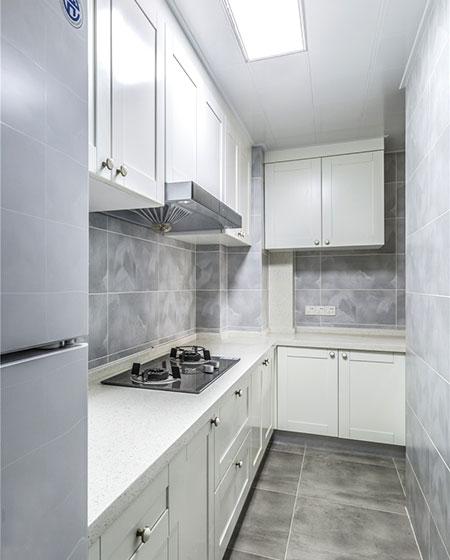 清爽简约风格厨房 白色橱柜设计