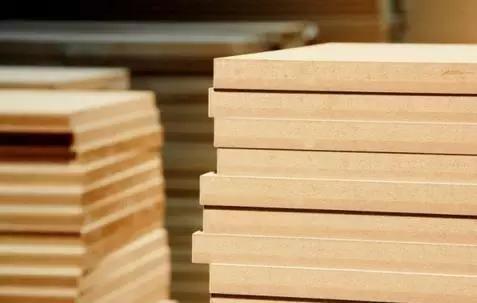 买进木板又被骗了?教养你何以辨佩板材的差错!