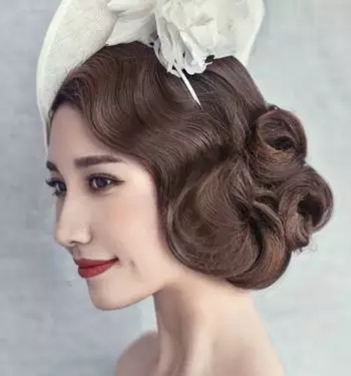 当日新娘发型图片  盘新娘发型的详细步骤