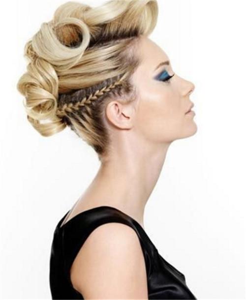 新娘装发型图片鉴赏   5款新娘装发型让你的颈部