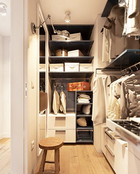 60平小公寓装修步入式衣帽间装修