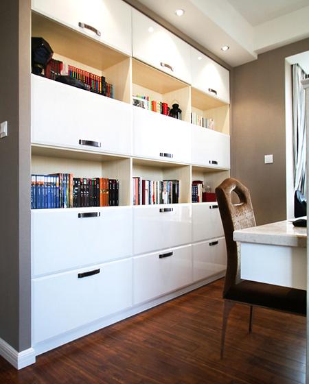 138平简约三居室书柜效果图