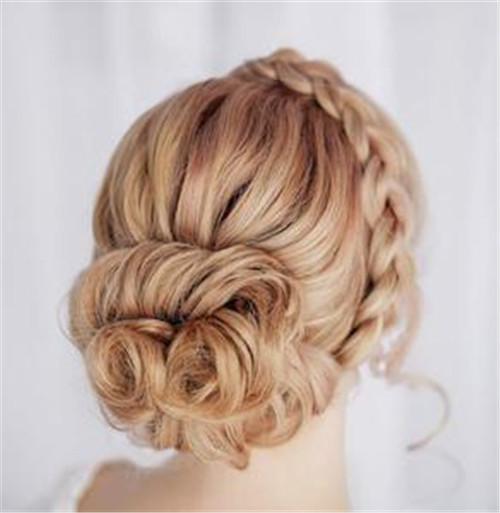 婚礼头发造型图片欣赏 好看的新娘发型推荐