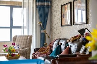 110平三居室装修客厅窗帘