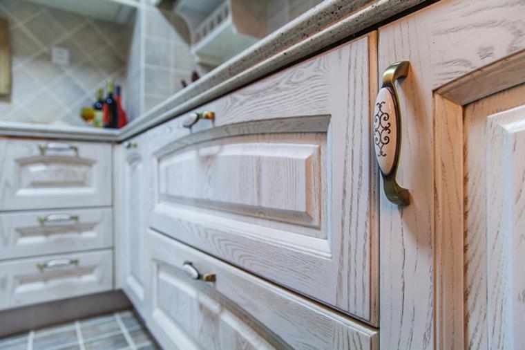 120平三居室装修整体橱柜