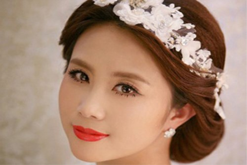额头高的新娘发型图片欣赏 217流行的新娘发型有