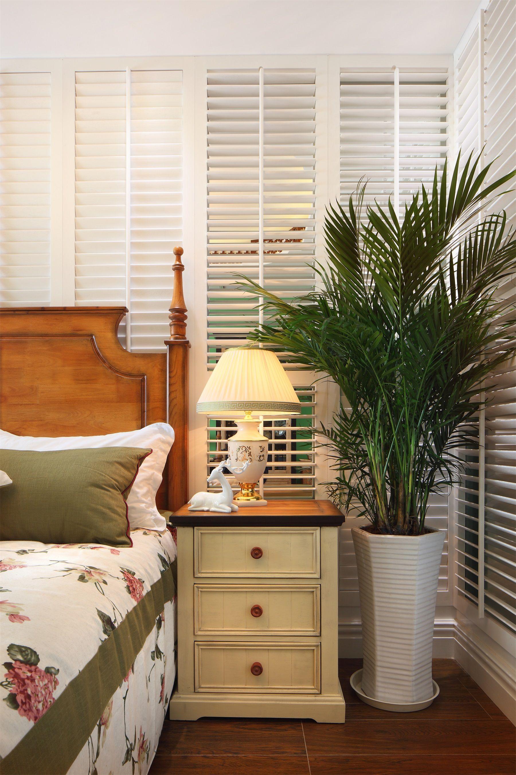 田园风格两居室装修床头柜设计图