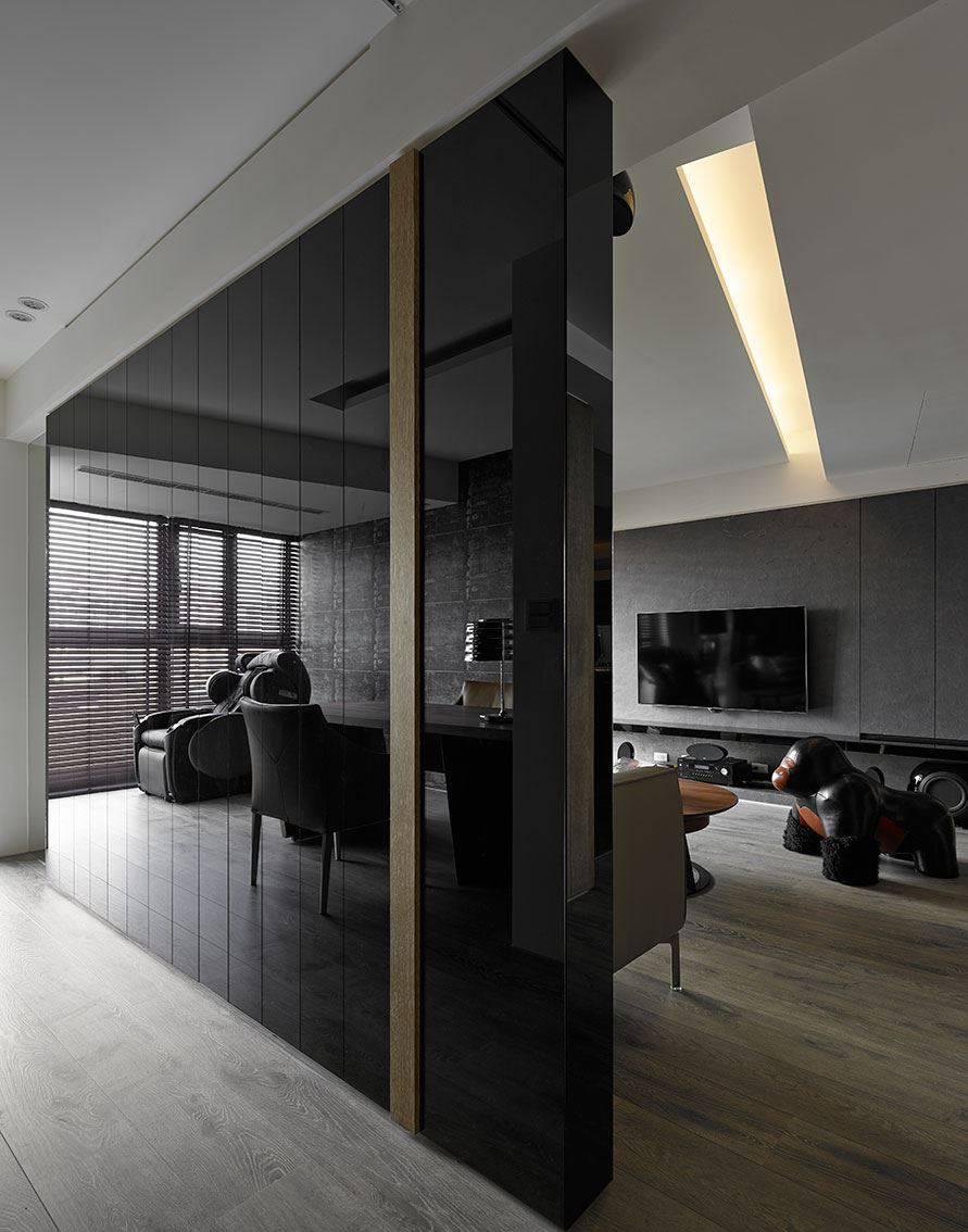 150平现代风黑色镜面墙装修效果图
