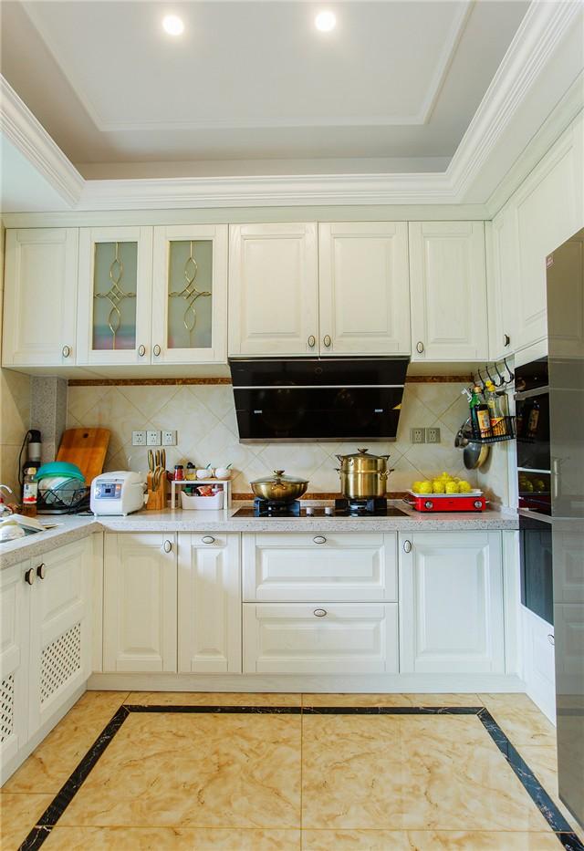 三居室欧式风格厨房装修效果图