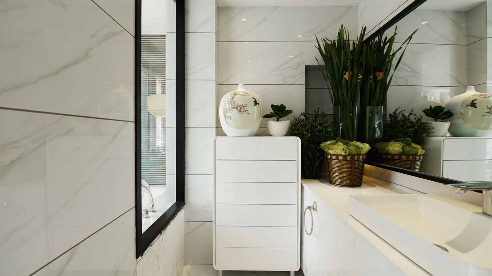 白色卫生间装修效果图